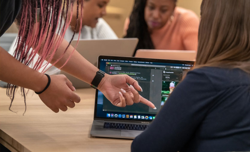 Apple kadın girişimcileri kampa alıyor