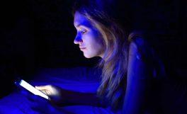 Akıllı telefon ve tabletlerin yaydığı mavi ışık neden zararlı?