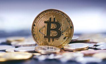 Bitcoin, yeniden yükselişini sürdürüyor
