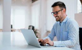 Çalışanların mutluluğu şirketlerin performanslarını nasıl etkiliyor? [Araştırma]