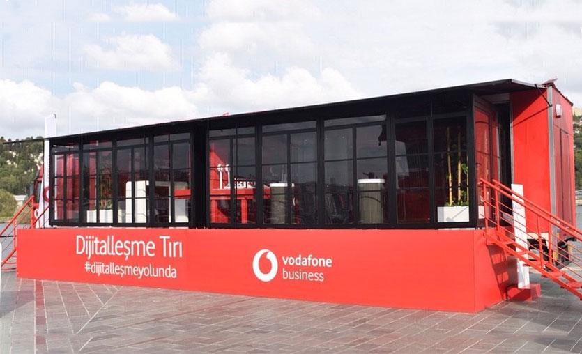 Vodafone, dijitalleşme tırı ile yola çıkıyor