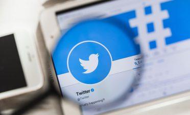 Twitter, Revue girişimini satın aldı