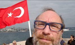 Wikipedia kurucusu Jimmy Wales'den Türkiye'ye: Yeniden hoşgeldiniz