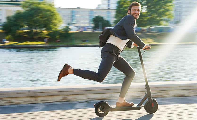 Şehir içi ulaşımın yeni trendi elektrikli scooter kullanıma hukuksal bakış