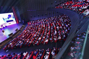 Digital Age Tech Summit ertelendi