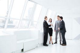 AVM'ler açılmaya hazırlanırken sosyal mesafeye teknolojik çözümler