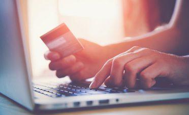 Kasım ayında internetten kartlı ödeme tutarı, yüzde 54 oranında artışla 29 milyar TL'yi geçti