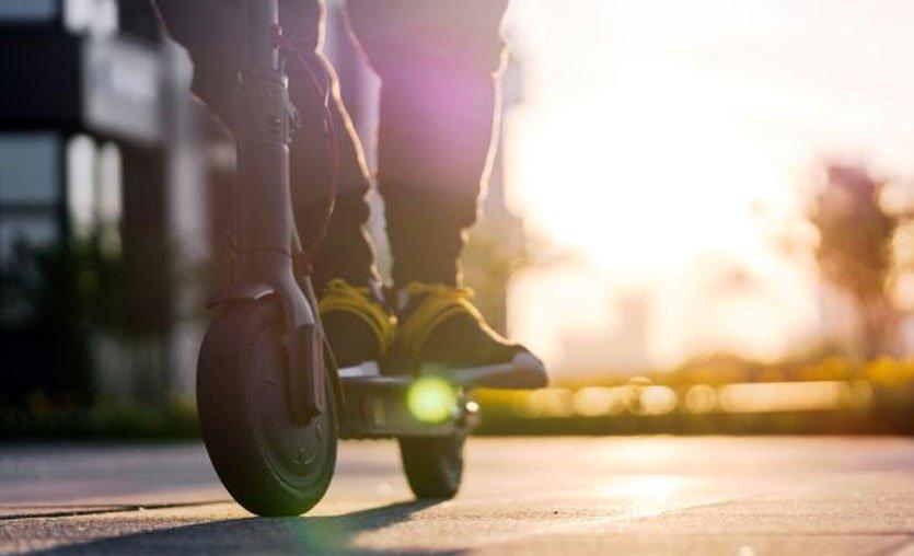 Türkiye'de elektrikli scooter kullanımına yaş sınırı geldi