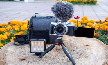 Vlog çekimine odaklanan Fujifilm Vlogger Kit'in Türkiye fiyatı belli oldu