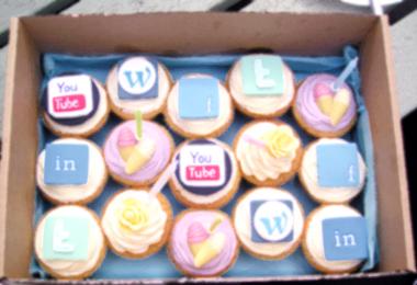 35-social-media-and-cupcakes_b